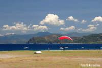 Gioiosa Marea - Sangiorgio - Spiaggia con lo sfondo del promontorio di Tindari  - Foto di Giuseppe Accordino  - Gioiosa marea (6199 clic)