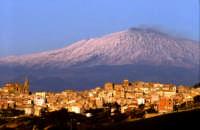 Panorama con lo sfondo dell'Etna  - Regalbuto (9477 clic)