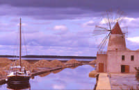 Le saline e i mulini a vento  - Trapani (13088 clic)