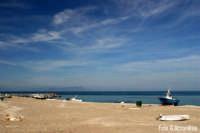 Spiaggia (F) con lo sfondo delle isole Eolie - Foto di Giuseppe Accordino  - Patti marina (3740 clic)