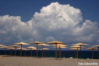 Spiaggia (H) - Foto di Giuseppe Accordino  - Patti marina (5232 clic)