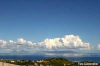 Le isole Eolie viste dal Golfo di Patti -  Foto di Giuseppe Accordino  - Vulcano (5780 clic)