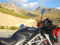 Belvedere...lato monte............Passione Ducati  - Makari (3008 clic)