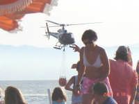 Elicottero in azione  - Capo d'orlando (3843 clic)