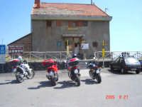 Rifugio Citelli Etna ..............Passione Ducati  - Sant'alfio (3961 clic)