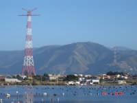 Lago di Ganzirri e piloni...  - Ganzirri (8363 clic)