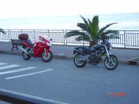 Lungo mare................Passione Ducati  - Sant'alessio siculo (4352 clic)