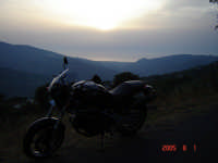 Tramonto con moto....Passione Ducati  - Castell'umberto (4657 clic)