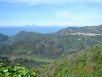 Panorama su Ficarra e Isole Eolie  - Castell'umberto (4747 clic)
