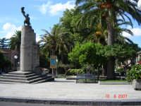Piazza  - Castell'umberto (4245 clic)