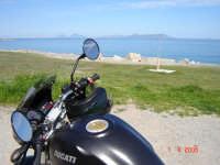 Spiaggia con vista is. eolie......Passione Ducati  - San giorgio (5157 clic)