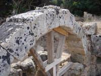 arco dell'ingresso delle terme di nuovo rinvenimento nella parte bassa dell'acropoli  - Selinunte (2737 clic)