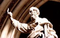 Statua vicino la cattedrale di Palermo PALERMO Guido  Caruso