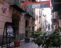 Il teatrino dell'opera dei pupi Figli d'arte Cuticchio in Via Bara all'Olivella PALERMO Gabriella