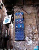 Sui muri del quartiere  dell'Olivella.  PALERMO Gabriella Alù