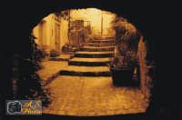 Uno dei tanti cortili della bellissima cittadina delle madonie Gratteri.  - Gratteri (3891 clic)