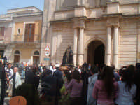 PASQUA 2006 a Canicattini bagni (la madonna esce dalla chiesa)...Salvatore Petruzzelli   - Canicattini bagni (5271 clic)