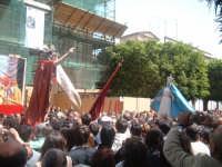 Pasqua 2006 a Canicattini Bagni...incontro tra Maria e il Cristo risorto(a paci paci)..salvatore petruzzelli  - Canicattini bagni (4182 clic)