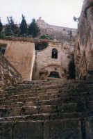 Chiesa rupestre della Catena sotto il colle di San Matteo (XIII°sec).   SCICLI Davide Militello