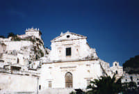 Chiesa della Consolazione, sullo sfondo a destra S.M.La Nova e sopra a sinistra chiesa del Rosario.  - Scicli (1508 clic)