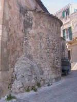 Abside dell'antica chiesa di Sant'Antonio Abate (XIV° sec) al Quartiere Scifazzo.  - Scicli (1770 clic)