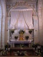 'I Sabburcara',ovvero i Santi Sepolcri che vengono allestiti per il Giovedì Santo, che a Scicli hanno un'antica tradizione. (sepolcro della chiesa di Gesu).  - Scicli (2436 clic)