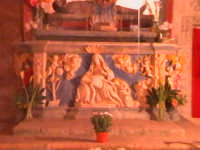 'I Sabburcara',ovvero i Santi Sepolcri che vengono allestiti per il Giovedì Santo, che a Scicli hanno un'antica tradizione. (sepolcro della chiesa del Calvario).  - Scicli (2175 clic)