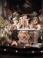 'I Sabburcara',ovvero i Santi Sepolcri che vengono allestiti per il Giovedì Santo, che a Scicli hanno un'antica tradizione. (sepolcro della chiesa del Carmine).  - Scicli (2197 clic)