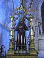 La statua di San Francesco d'Assisi presso la chiesa di Gesu. (sec.XVIII°).  - Scicli (1840 clic)