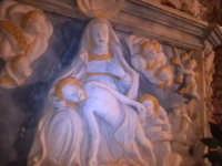 L'addolorata, bassorilievo nell'altare della chiesa del Calvario. (Architettura Rupestre).  - Scicli (1497 clic)