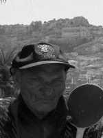 Angelino, ricoverato presso l'ala dell'ospedale Busacca di Scicli-reparto dementi tranquilli, una persona storica dell'ospedale.  - Scicli (5804 clic)