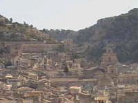 Veduta di alcune chiese di Scicli.  - Scicli (1985 clic)