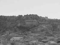 ...il colle di San Matteo...!  - Scicli (1605 clic)
