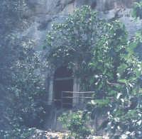 Chiesa di Piedigrotta, architettura rupestre, scavata nella roccia (XIV°sec)-Architettura pre-Terremoto del 1693-  - Scicli (4550 clic)