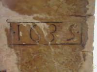 Chiave di volta del loggiato di stile chiaramontano del Convento di Sant'Antonino (XIV°sec)-Architettura pre-Terremoto del 1693-  - Scicli (1510 clic)