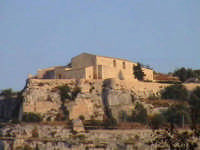 Veduta Chiesa e Convento di Santa Maria del Priorato Di Sion (Croce) (XIV°sec)-Architettura pre-Terremoto del 1693-  - Scicli (2024 clic)