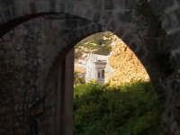 Arcate chiesa di San Matteo e scorcio chiesa del Rosario. SCICLI Davide Militello