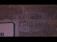 Particolare della scritta medievale Strada Loreto sul muro della torre Loreto (XIII° sec).  - Scicli (3149 clic)