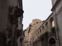 Veduta del colle di San Matteo e loggiato del convento del Ritiro (XVI°sec). SCICLI Davide Militello