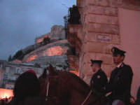 Polizia a cavallo per ordine pubblico.  - Scicli (1753 clic)