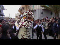 Cavalcata di San Giuseppe a Donnalucata 12 marzo 2006. Cavallo Bardato con fiori di violaciocca (balucu).  - Scicli (1877 clic)