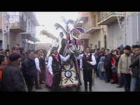 Cavalcata di San Giuseppe a Donnalucata 12 marzo 2006. Cavallo bardato con fiori di violaciocca (bbalucu).  - Scicli (1861 clic)