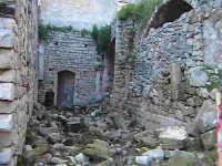 Resti del chiostro di stile chiaramontano del conevnto di Sant'Antonino (XIV°sec)-Architettura pre-T