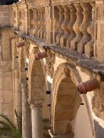 Vista del porticato interno del Palazzo Vescovile  - Mazara del vallo (2106 clic)