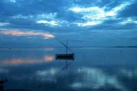 Panoramica dello Stagnone, in fondo l'isola di Mothia  - Marsala (3742 clic)