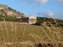 Tempio di Segesta all'alba  - Calatafimi segesta (4565 clic)