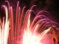Spettacolo pirotecnico in occasione delle festività patronali - Biancavilla 6 ottobre 2004  - Biancavilla (1911 clic)