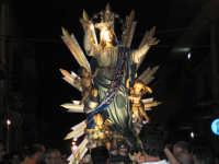 IL SIMULACRO PERCORRE LA VIA UMBERTO PRIMO (LATO CATANIA). FESTA DELL'ASSUNTA A.D. 2006  - Nizza di sicilia (7451 clic)