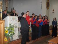 LA CORALE S. MARIA ASSUNTA IN CONCERTO A MESSINA NELLA PARROCCHIA DI S. MICHELE ARCANGELO.       7 GENNAIO 2006  - Nizza di sicilia (3788 clic)