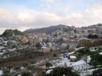 Galati Mamertino Sotto una leggera nevicata.  - Galati mamertino (4200 clic)